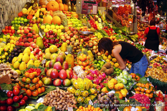 Fruit Stall in Barcelona Market - fra Wikipedia