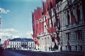 Karsten S. Mogensen: Budskabet fra Berlin