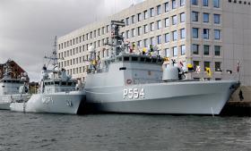 Rasmus Dahlberg: Mellem Kyst og Krig