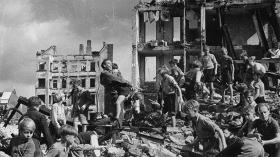 Ian Buruma: År NUL - en fortælling om 1945