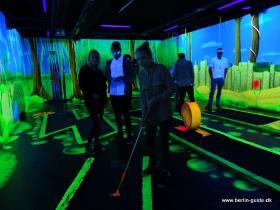 Minigolf guide - spil minigolf i ultraviolet lys